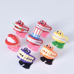 牙科饰品牙齿小玩具上链跳跳牙 蹦蹦牙 口腔礼品 益智玩具